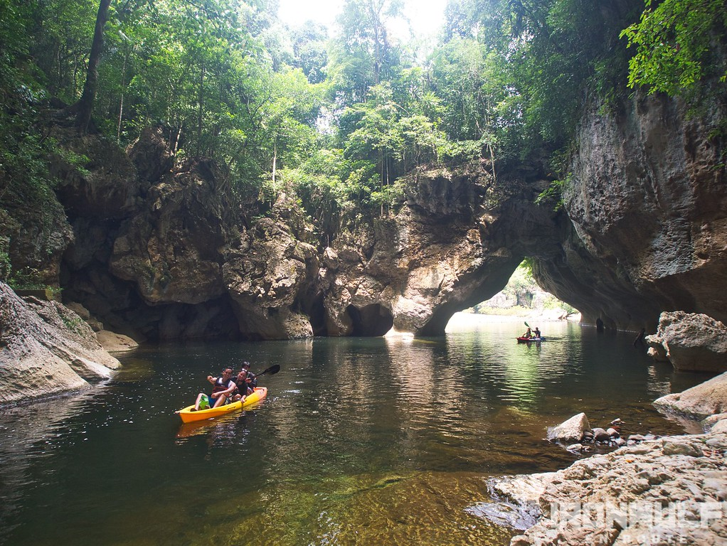 Sohoton Cave and Natural Bridge