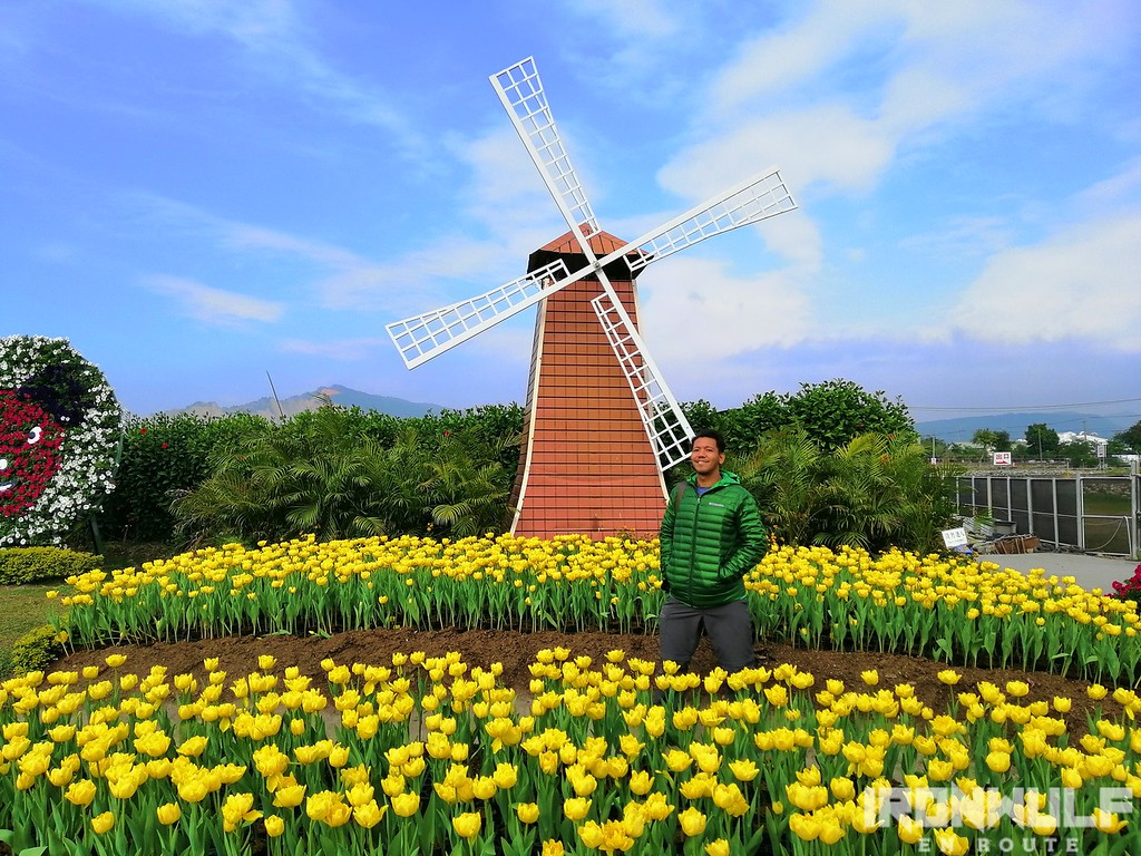 A windmill display at Chungshe Toursit Flower Market